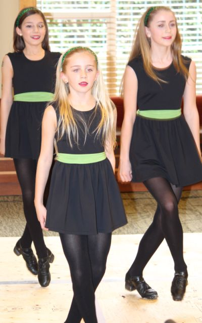 Eire Born Irish Dancers Dazzle