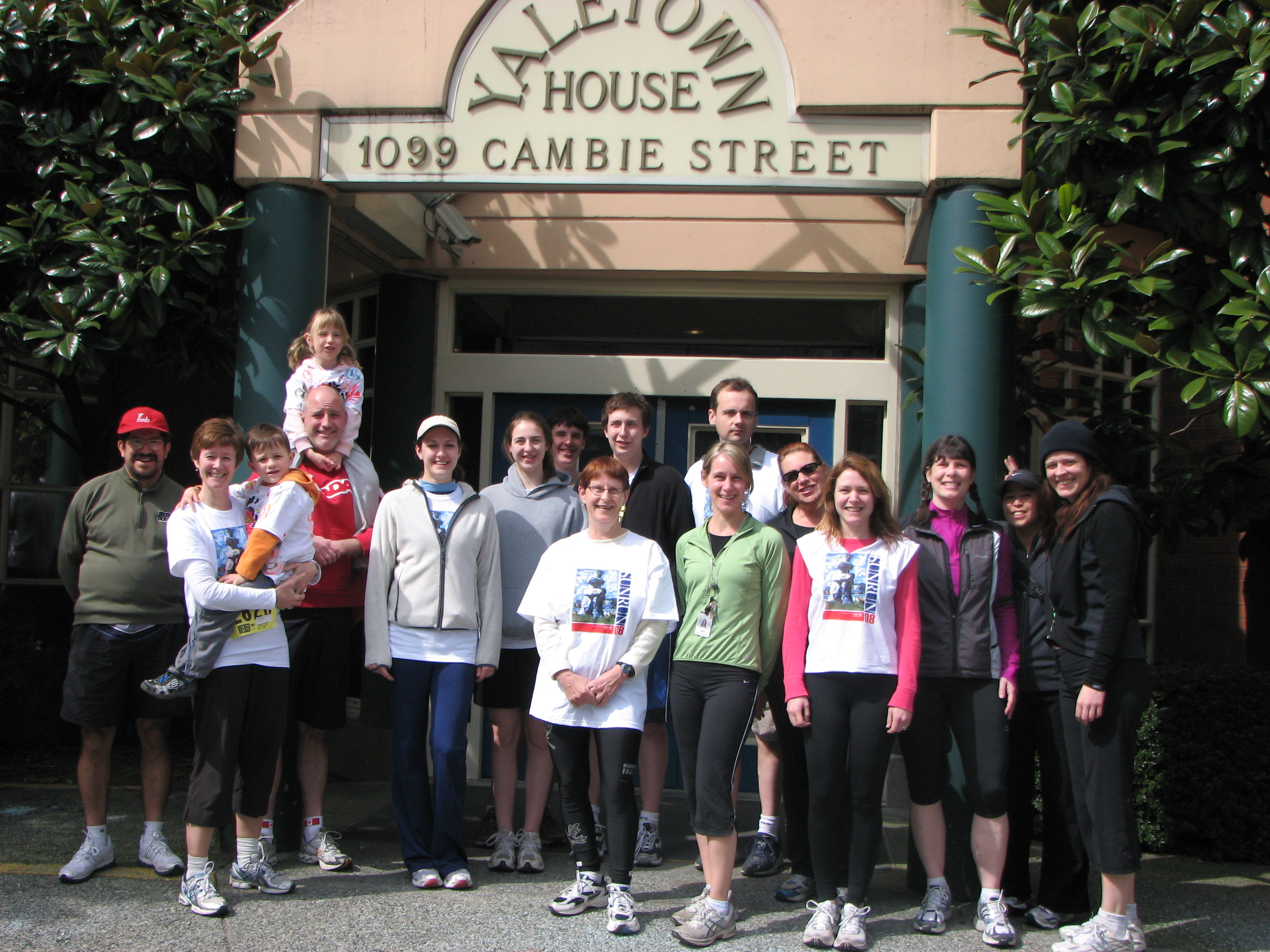 Possibly the coldest Sun Run in its 24 year History – but that didn't stop the Yaletown House Team